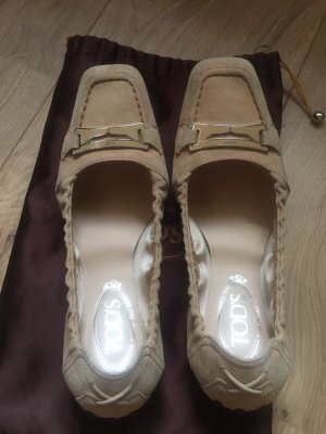 Tod's Slip-on Shoes beige