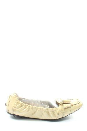 Tod's Patent Leather Ballerinas cream casual look