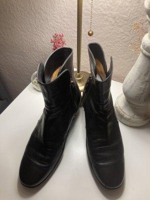 Tod's Slip-on Booties black