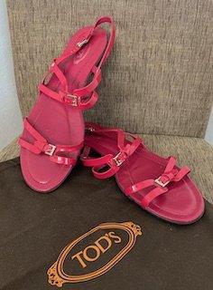 Tod's Sandales à lanière rouge framboise-magenta cuir