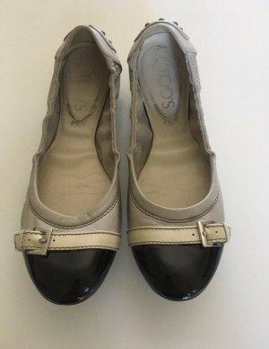 Tods Bailarinas de charol con tacón crema-negro Cuero