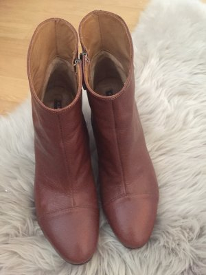 Alberto Fermani Booties brown leather