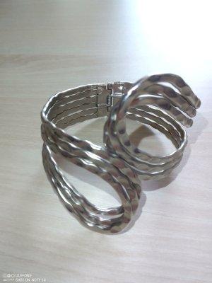 Brazalete gris claro metal