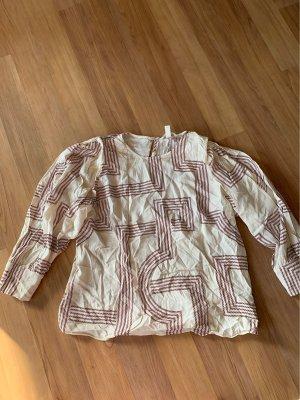 Tolle Bluse mit leichten Puffärmeln