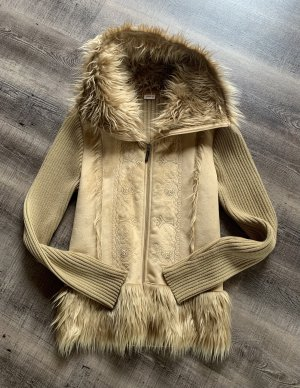 Tolle flauschige Jacke