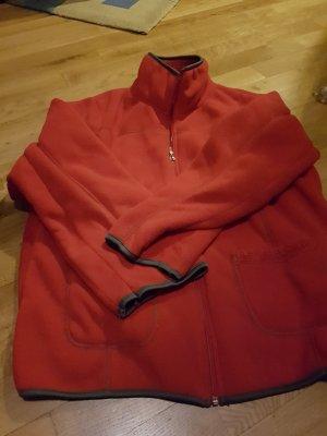 Manteau polaire rouge