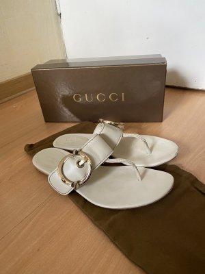 Gucci Toe-Post sandals white
