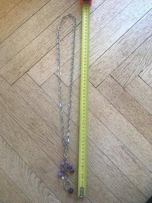 Tolle Halskette mit lila Anhängern