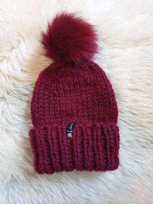 Hand made Chapeau en tricot bordeau