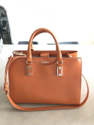Tolle Handtasche in schönem orange von Hugo Boss.