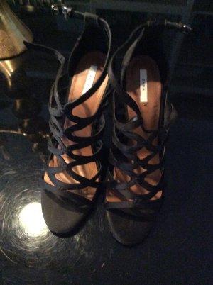 Tolle High Heels neu in schwarz