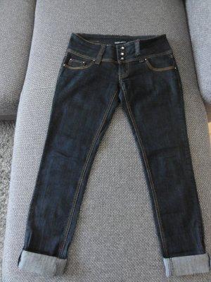 °°° Tolle Hüft-Skinny Jeans, stylisch, Knackpo, Straßsteine°°°