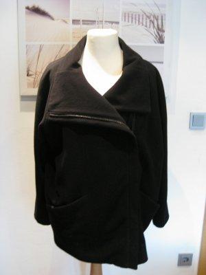 Tolle Jacke Drykorn Figurschmeichler toll zu tragen