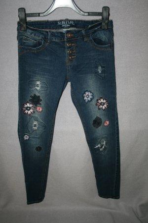 tolle Jeans blau mit Stickerei von Sublevel Gr. L - wie neu!
