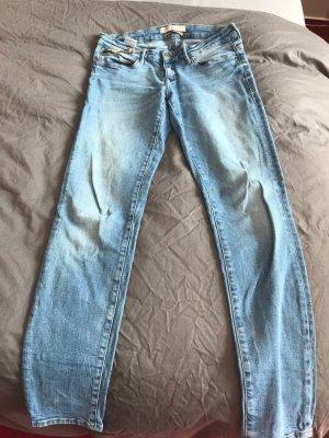 Tolle Jeans von Mavi, Gr.29/30 hellblau