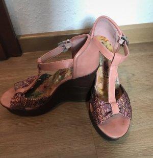 Tolle Keilabsatz Sandalen in Größe 37