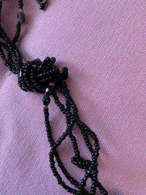 Tolle Kette aus schwarzen Perlen