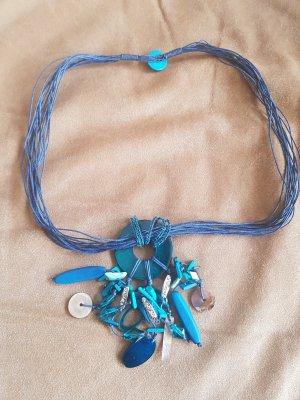 Tolle Kette in knalligem Aquablau