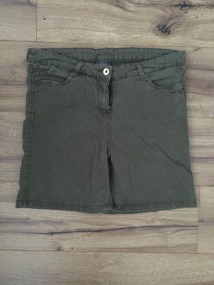Tolle khaki Shorts