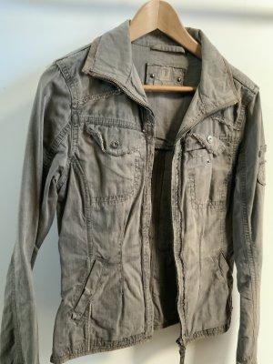Tolle khakifarbene Jacke für den Frühling von timezone in Gr 38