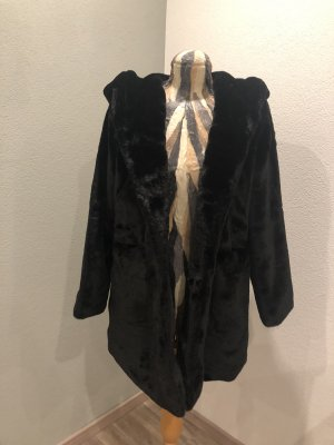 Cherry Koko Fake Fur Jacket black