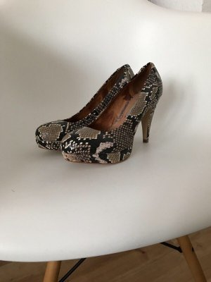 Tolle Leder-Pumps von Buffalo