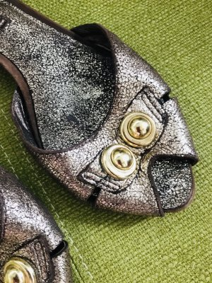 Luca Stefani Tacones Mary Jane color bronce