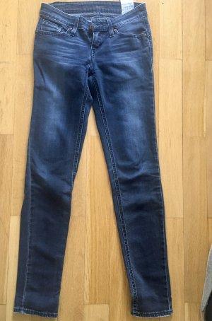 Tolle Levi's jeans für den besten hintern!
