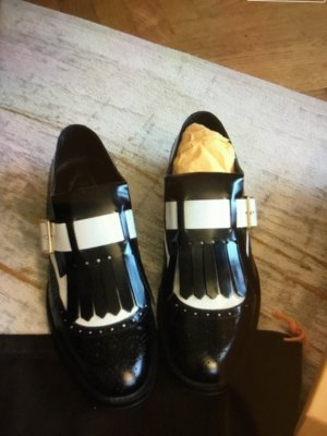 Tod's Wingtip Shoes black-white