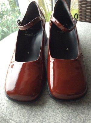 Tolle Schuhe aus Echtem ZiegenlackLeder NEU! Marke SERVAS