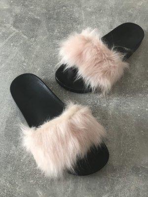 Tolle Schuhe mit Kunstfell neu! rosé/schwarz
