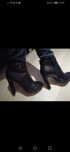 tolle Schuhe von le chateau