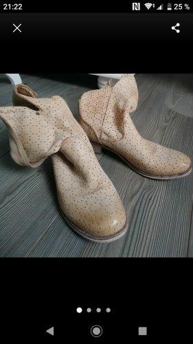 Korte laarzen licht beige