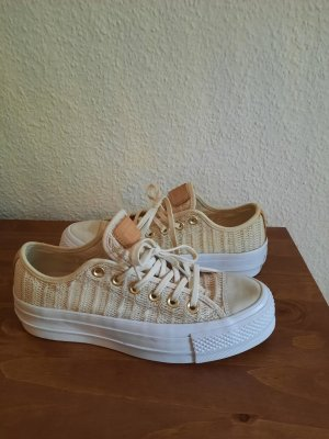 tolle, sommerliche Plateau Converse