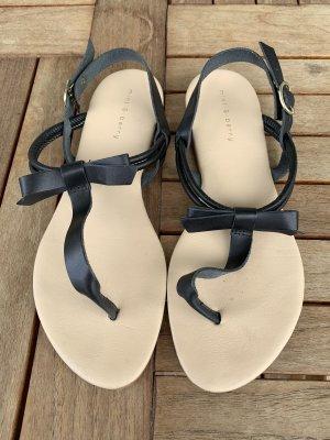 Mint&berry Sandalo toe-post nero-beige chiaro