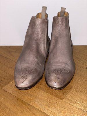 Benson's Slip-on Booties light brown
