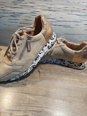 Tolle Tamaris Sneaker speziell Gr. 41 sehr bequem! Normale Tragespuren