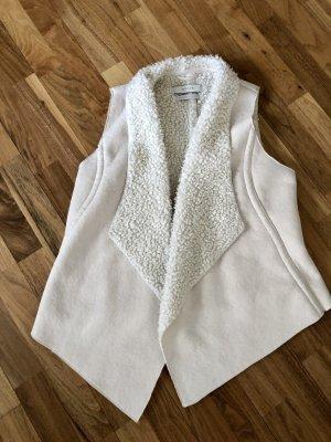 opus someday is today Kamizelka ze sztucznym futrem w kolorze białej wełny