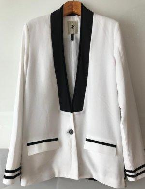 Toller Blazer in weiß / schwarz wie neu!