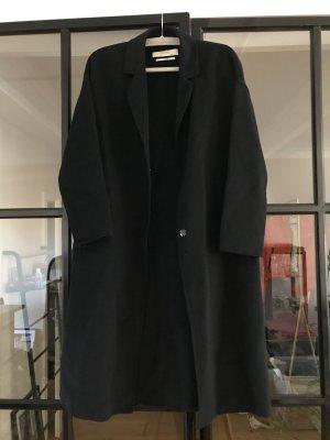 Toller dünner Wollmantel von Zara Basic.