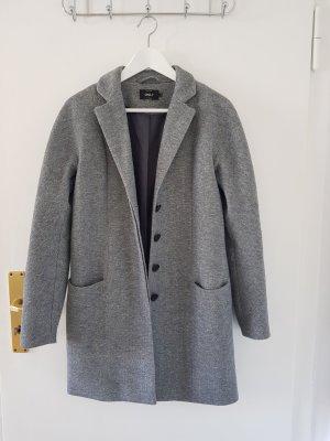 Toller grauer Mantel von Only