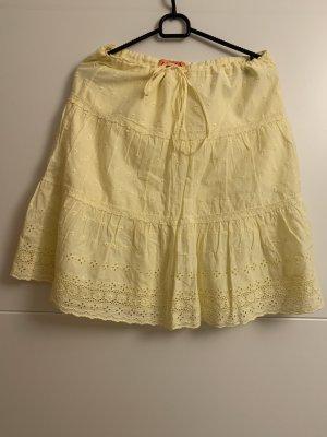 Juicy Couture Falda de encaje amarillo pálido