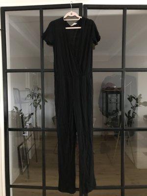 Toller Jumpsuit aus Leinen in schwarz von Stefanel.