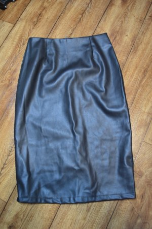 Cherry Koko Faux Leather Skirt black