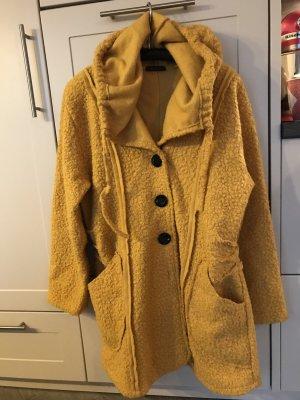 Cappotto con cappuccio giallo-oro