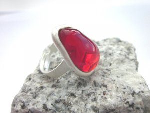 Silver Ring white-brick red