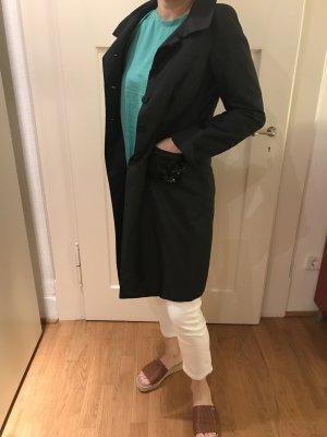 Toller schwarzer Mantel von Riani