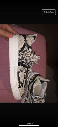 Toller Sneaker im animalprint