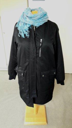Pikowany płaszcz czarny Tkanina z mieszanych włókien