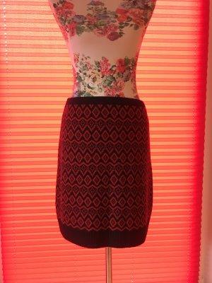 C&A Knitted Skirt dark red-black nylon